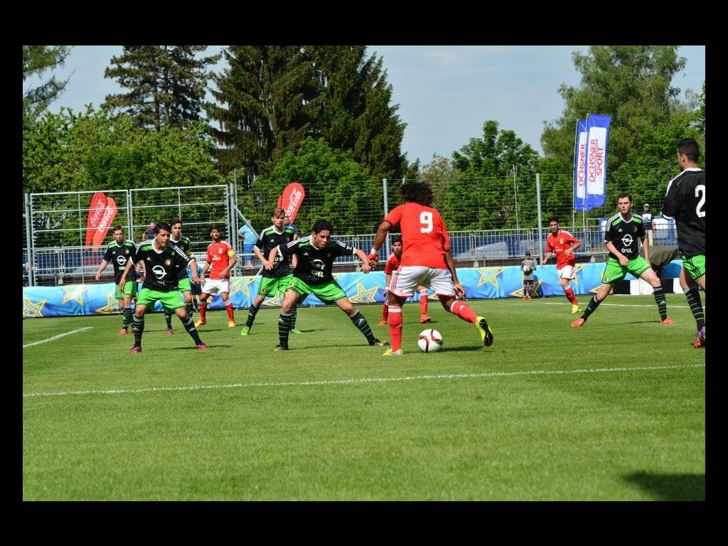 Feyenoord O/19 neemt deel aan de Blue Stars/FIFA Youth Cup ...