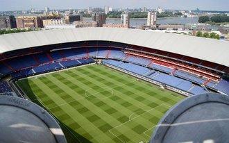 Feyenoord Galadiner op middenstip van De Kuip
