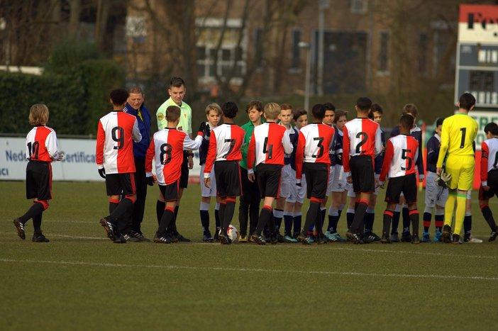 Feyenoord Onder 17 doet zichzelf tekort tegen PEC Zwolle