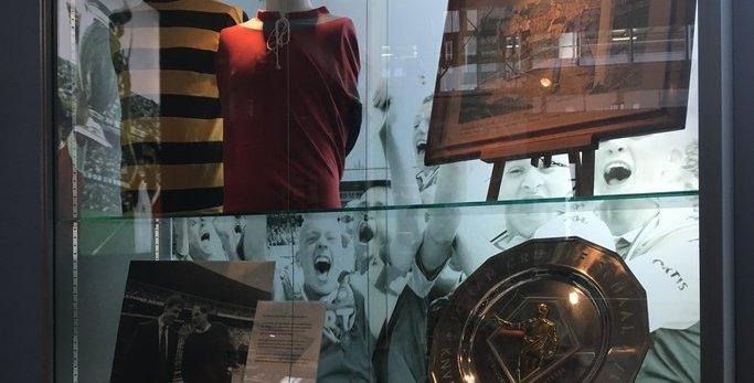 Johan Cruijff Schaal te bewonderen in De Kuip