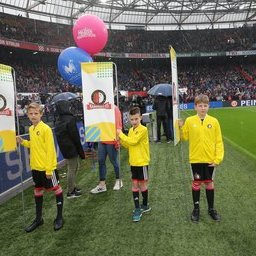 Feyenoord-Utrecht-masc-1.JPG