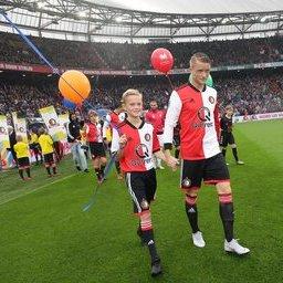 Feyenoord-Utrecht-masc-13.JPG