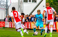 Feyenoord Onder 19 strijdend ten onder tegen Ajax