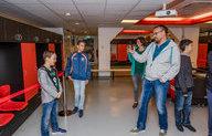 Supporters bewonderen kleedkamer Feyenoord