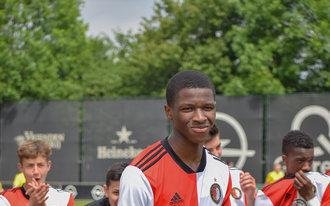 Feyenoord Onder 16 geeft kampioenschap extra glans