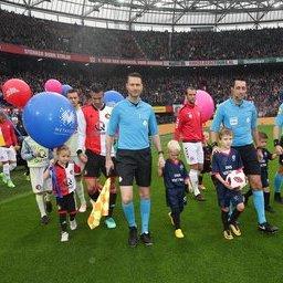 Feyenoord-Utrecht-masc-3.JPG