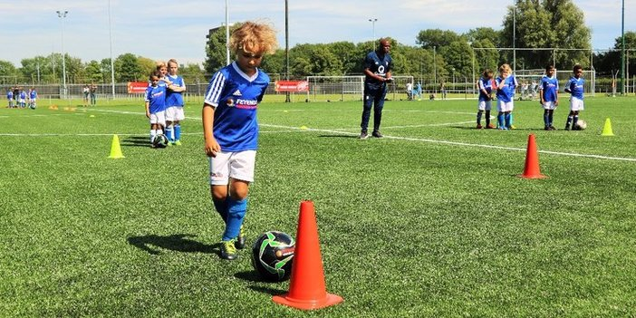 Feyenoord zoekt trainers voor Feyenoord Soccer Schools