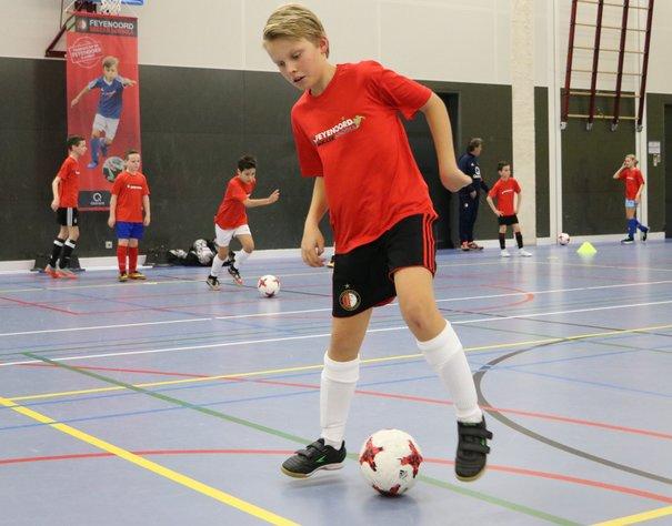 Ontwikkel je zaalvoetbalskills in de kerstvakantie!