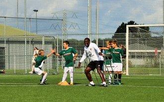 Feyenoord Soccer Schools feliciteert hoofdtrainer Mike Obiku!
