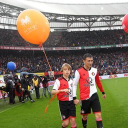 Feyenoord-Utrecht-masc-14.JPG