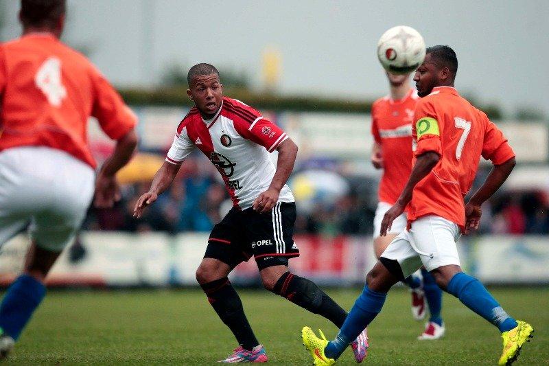 Feyenoord start trainingskamp met ruime overwinning