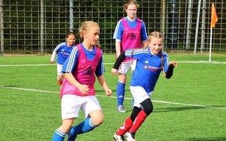 Feyenoord start met meidenvoetbal