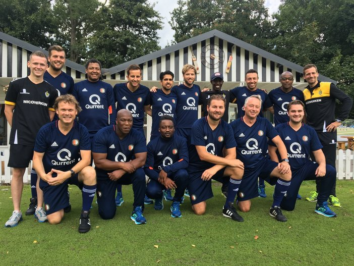 Feyenoord Academy onderbouwtrainers bezoeken cricketclub Excelsior '20