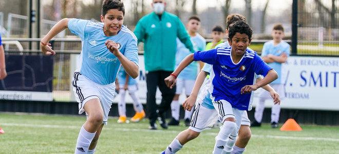 Tientallen teams genieten van zonnige Feyenoord Street League Cup